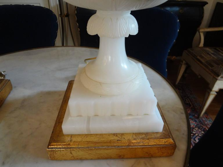 Neoclassical Pair of Italian Alabaster Urn Lamps on Giltwood Bases For Sale