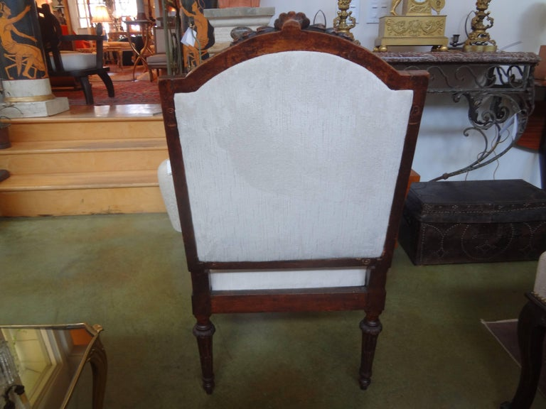 Pair of 18th Century Italian Walnut Chairs In Good Condition For Sale In Houston, TX