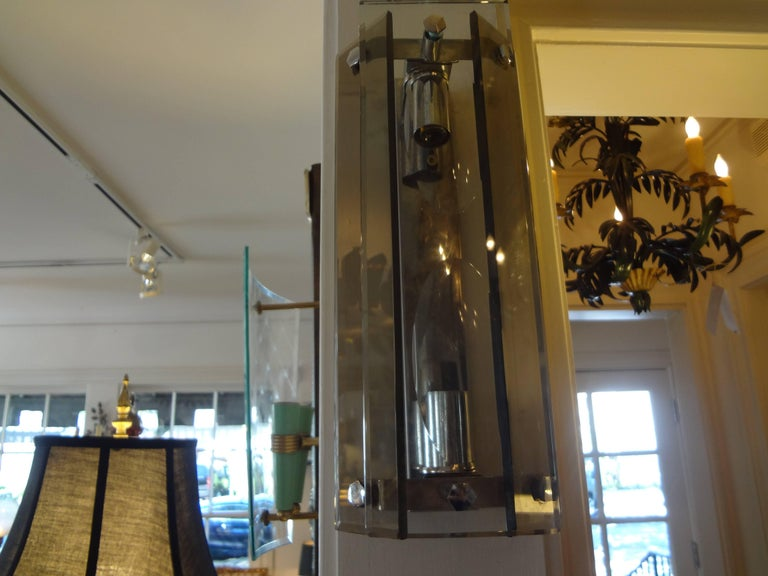 Pair of Italian Mid-Century Modern Glass Sconces Inspired by Fontana Arte For Sale 1