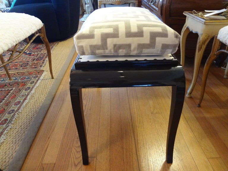 French Art Deco Black Lacquered Bench In Good Condition For Sale In Houston, TX
