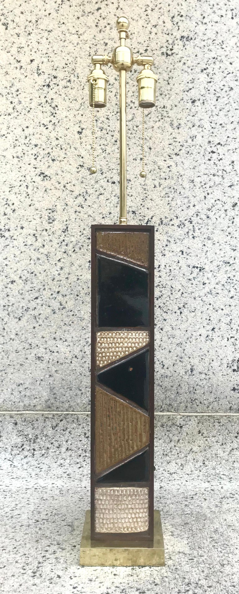 Tall Graphic 1950s Modernist Art Pottery and Rosewood Table Lamp In Excellent Condition For Sale In Washington, DC