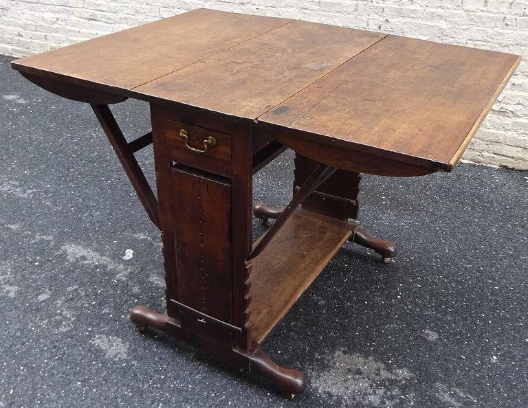 Exceptional Rare Early 18th Century English Walnut Industrial Drafting Table 3
