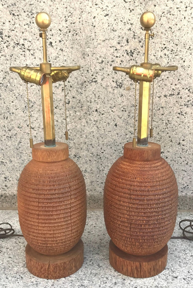 Fabulous Sculptural Pair of 1980s Angelo Donghia Turned Wood Table Lamps In Excellent Condition For Sale In Washington, DC