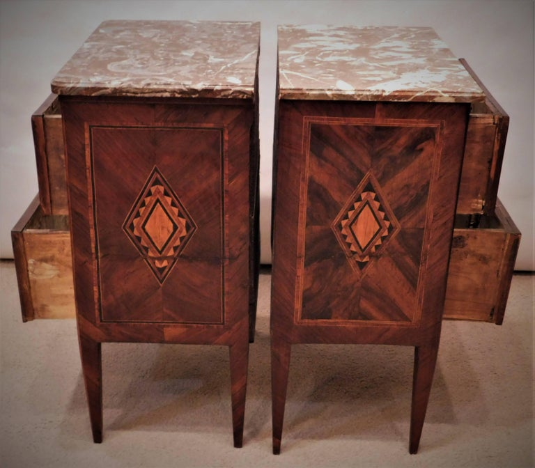 Assembled Pair of Italian Neoclassical Marble-Top Small Commodes, circa 1810 For Sale 2