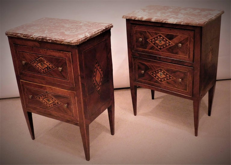 Assembled Pair of Italian Neoclassical Marble-Top Small Commodes, circa 1810 For Sale 1