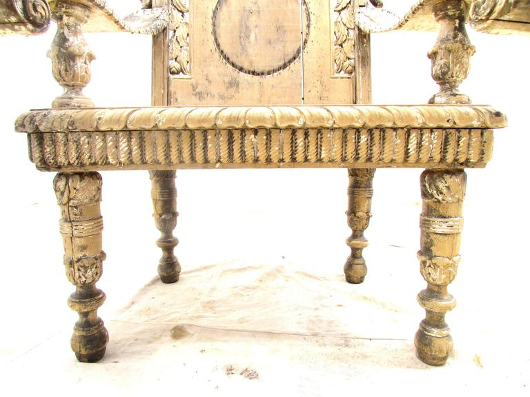 Antique Weathered India Throne Chair In Distressed Condition For Sale In High Point, NC