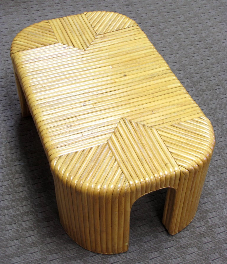 Rattan Coffee Table In Good Condition For Sale In High Point, NC