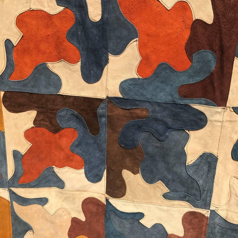 Suede Rug In Excellent Condition For Sale In High Point, NC