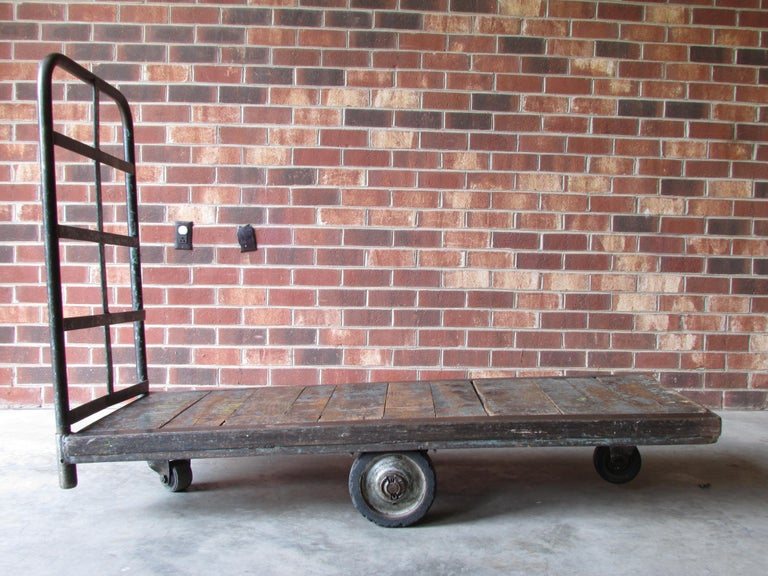 Industrial Mail Room Cart In Distressed Condition For Sale In High Point, NC