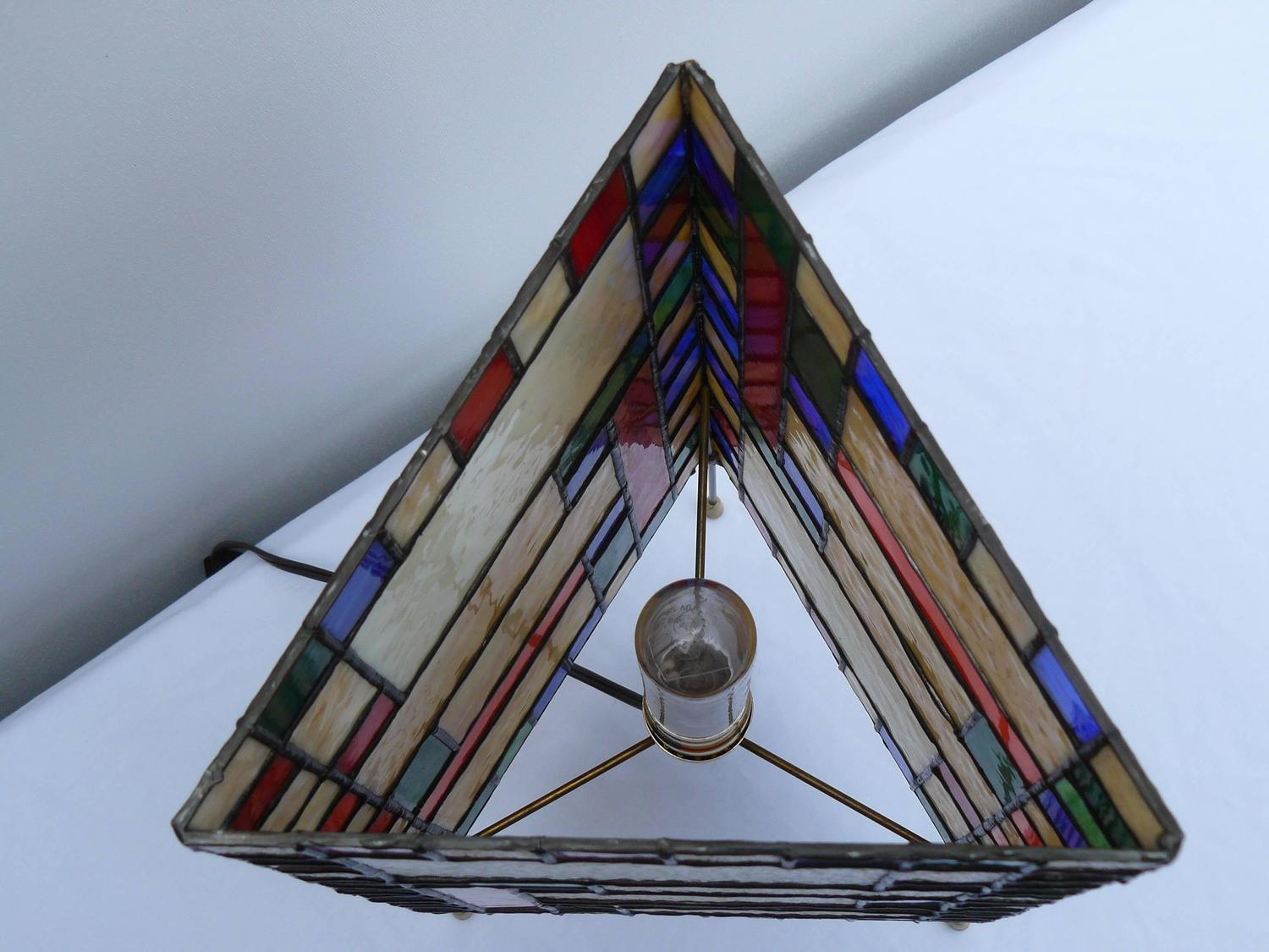 prairie school stained glass tripod lamp for sale at 1stdibs. Black Bedroom Furniture Sets. Home Design Ideas