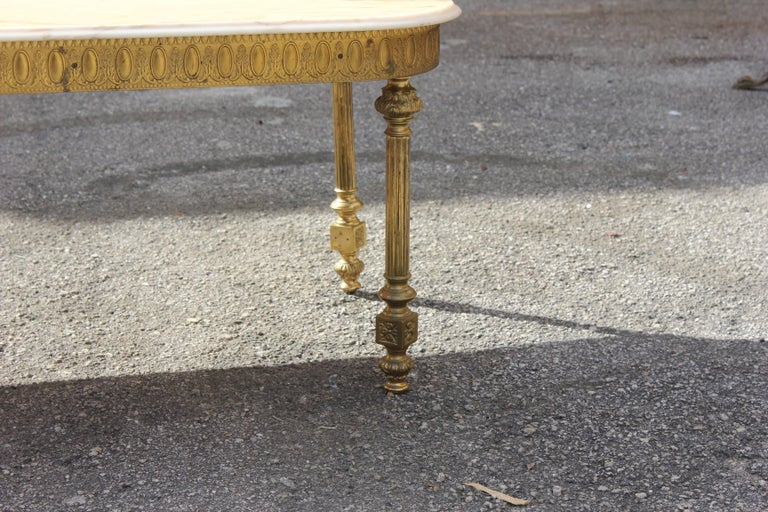 French Neoclassical Coffee or Cocktail Table Bronze Rectangular with Onyx Top In Excellent Condition For Sale In Hialeah, FL
