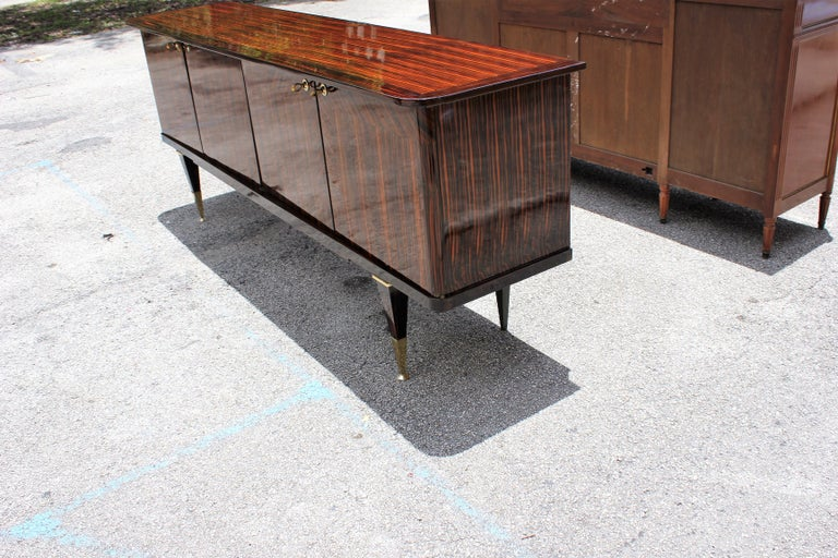 Long French Art Deco Macassar Ebony Sideboard or Buffet, circa 1940s In Excellent Condition For Sale In Hialeah, FL