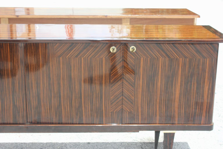 Long French Art Deco Macassar Ebony Sideboard or Buffet, circa 1940s For Sale 2