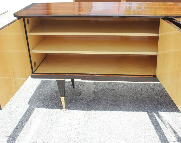 Long French Art Deco Macassar Ebony Sideboard or Buffet, circa 1940s For Sale 4
