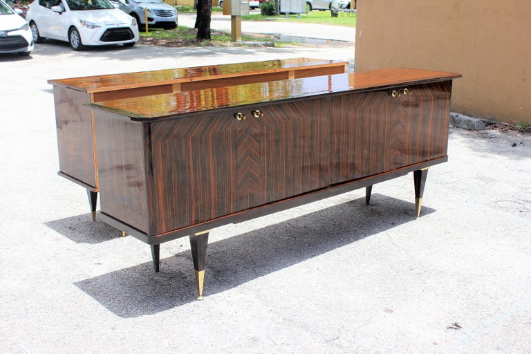 Long French Art Deco Macassar Ebony Sideboard or Buffet, circa 1940s For Sale 6