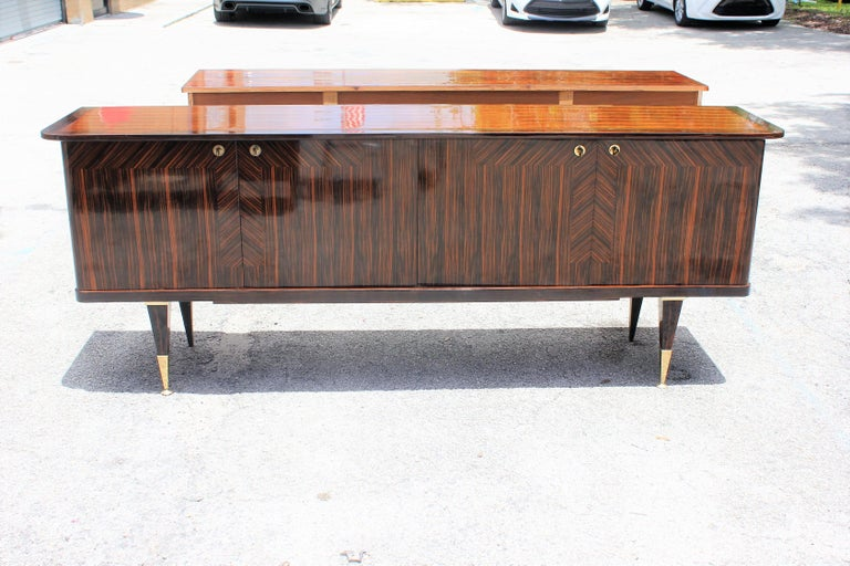 Long French Art Deco Macassar Ebony Sideboard or Buffet, circa 1940s For Sale 10