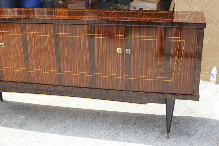 Wood Long French Art Deco Macassar Ebony Sideboard or Buffet, circa 1940s For Sale