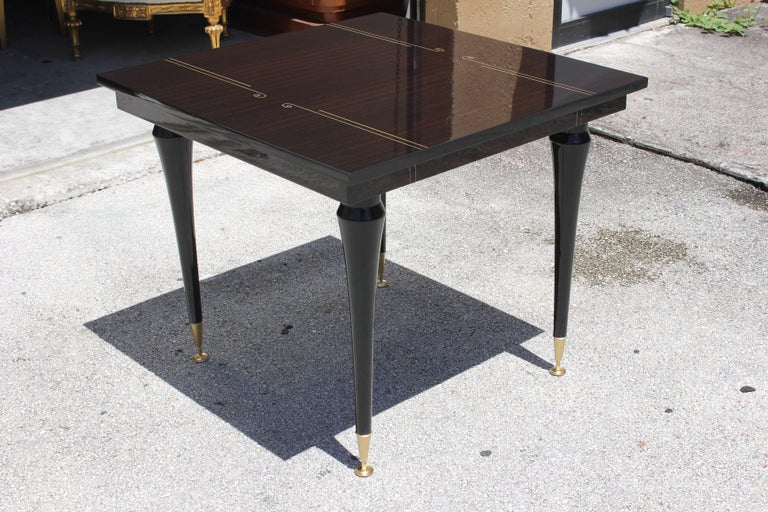 French Art Deco Exotic Macassar Ebony Square Centre or Foyer Table, circa 1940s In Excellent Condition For Sale In Hialeah, FL