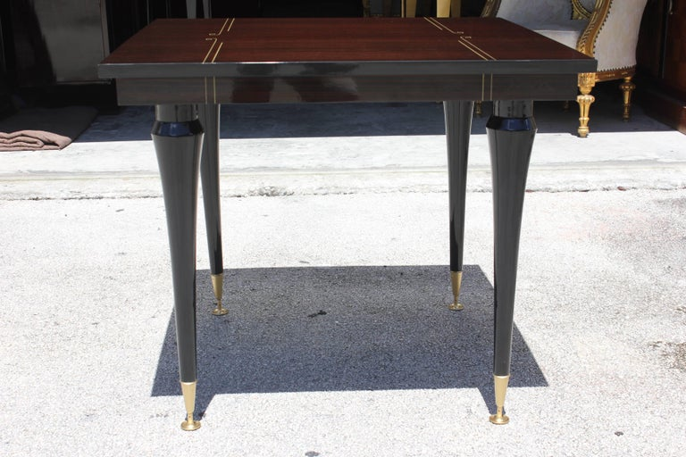 Mid-20th Century French Art Deco Exotic Macassar Ebony Square Centre or Foyer Table, circa 1940s For Sale