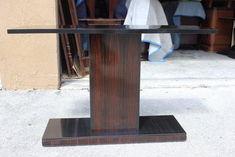 Mid-20th Century Beautiful Pair of French Art Deco Exotic Macassar Ebony Console Tables For Sale