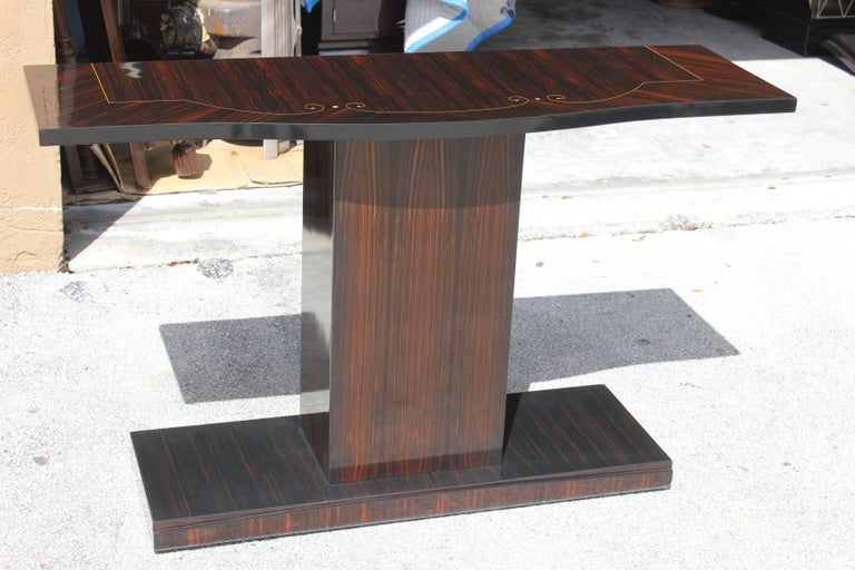 Beautiful Pair of French Art Deco Exotic Macassar Ebony Console Tables For Sale 6