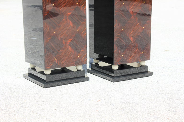 Monumental Pair of French Art Deco Exotic Macassar Ebony Pedestals MOP Accents For Sale 1