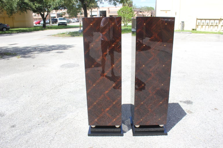 Monumental Pair of French Art Deco Exotic Macassar Ebony Pedestals MOP Accents For Sale 11