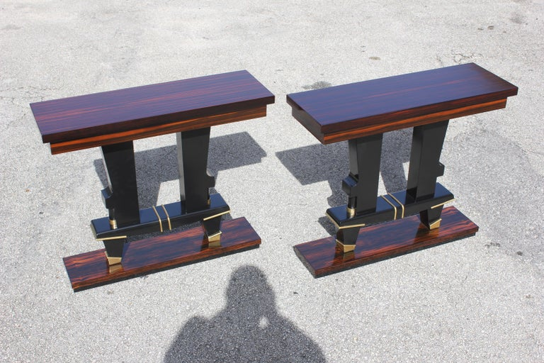 Pair of French Art Deco Exotic Macassar Ebony Console Tables, circa 1940s For Sale 3