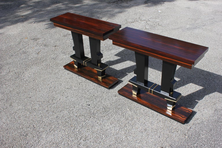 Pair of French Art Deco Exotic Macassar Ebony Console Tables, circa 1940s For Sale 4