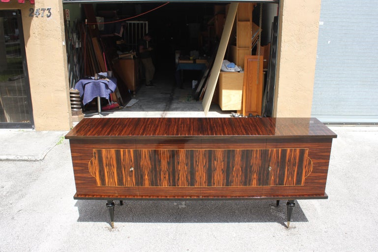 French Art Deco Exotic Macassar Ebony Sideboard or Buffet, circa 1940s For Sale 2