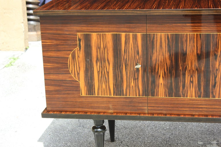 French Art Deco Exotic Macassar Ebony Sideboard or Buffet, circa 1940s For Sale 3