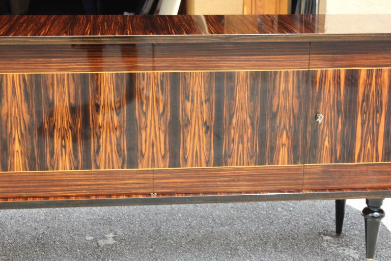 French Art Deco Exotic Macassar Ebony Sideboard or Buffet, circa 1940s For Sale 4