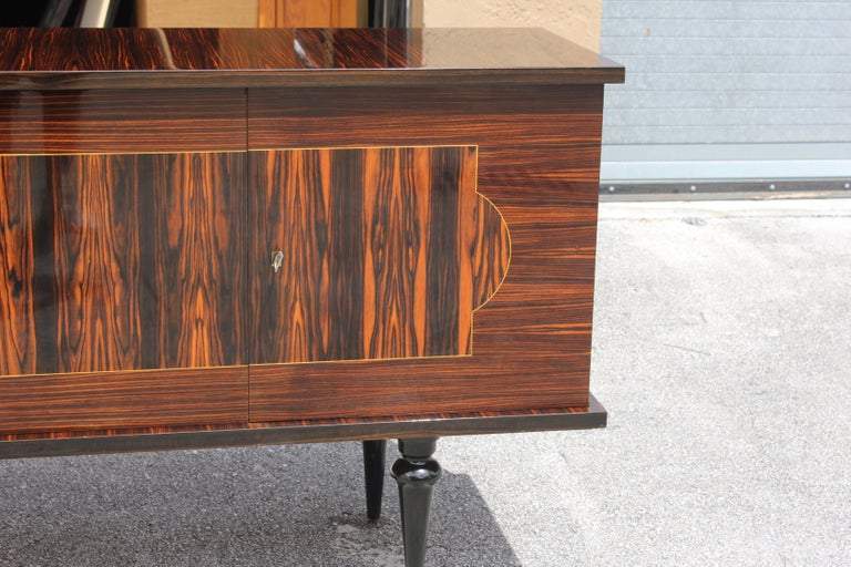 French Art Deco Exotic Macassar Ebony Sideboard or Buffet, circa 1940s For Sale 6