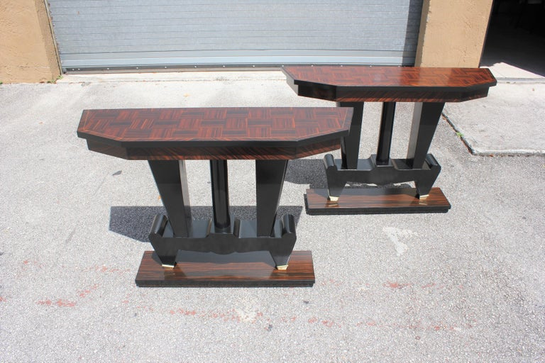 Spectacular Pair of French Art Deco Macassar Ebony Console Tables, circa 1940s For Sale 2