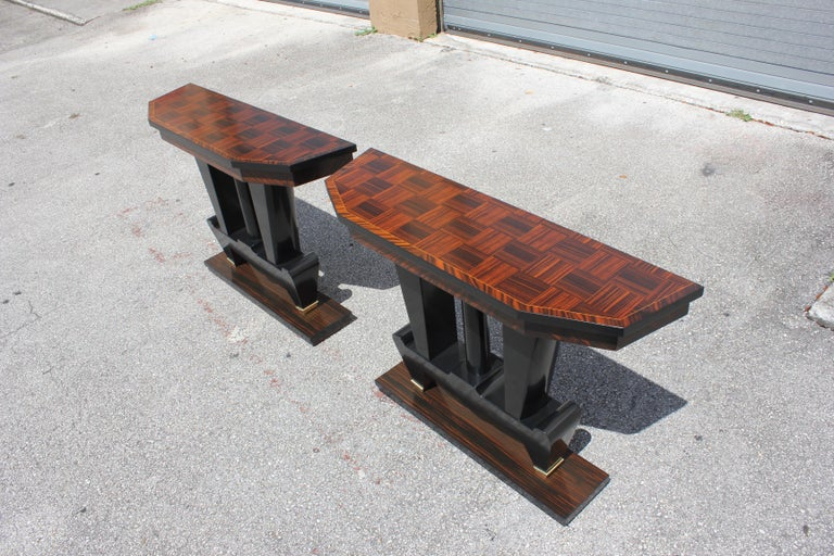 Spectacular Pair of French Art Deco Macassar Ebony Console Tables, circa 1940s For Sale 3