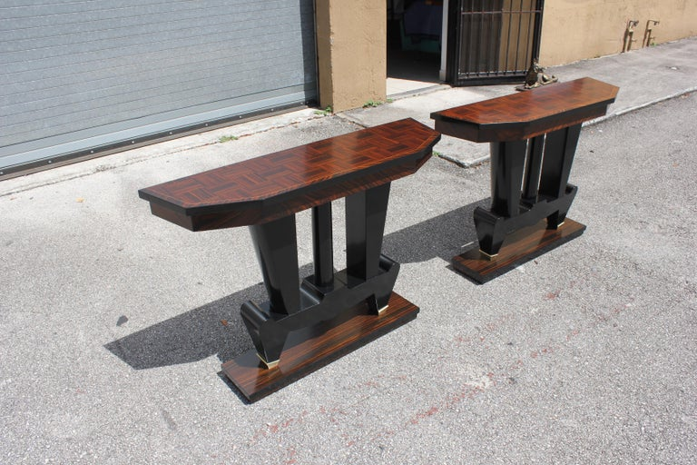 Spectacular Pair of French Art Deco Macassar Ebony Console Tables, circa 1940s For Sale 4