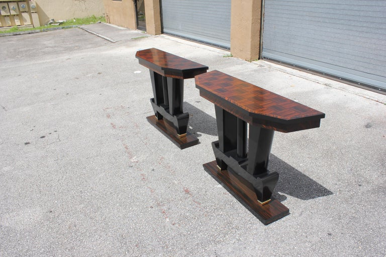 Spectacular Pair of French Art Deco Macassar Ebony Console Tables, circa 1940s For Sale 10