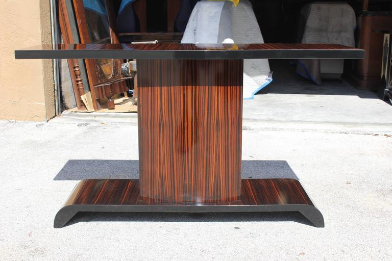 Majestic French Art Deco Exotic Macassar Ebony Console Table, circa 1940s In Excellent Condition For Sale In Hialeah, FL