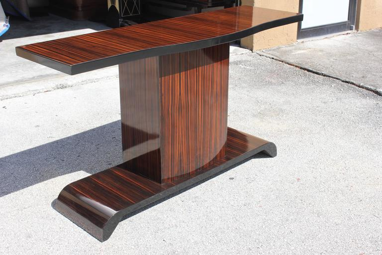 Mid-20th Century Majestic French Art Deco Exotic Macassar Ebony Console Table, circa 1940s For Sale