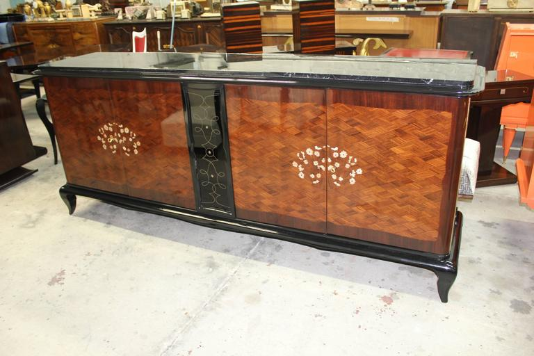 French Art Deco Mother-of-Pearl style of Jules Leleu Sideboard or Buffet In Excellent Condition For Sale In Hialeah, FL