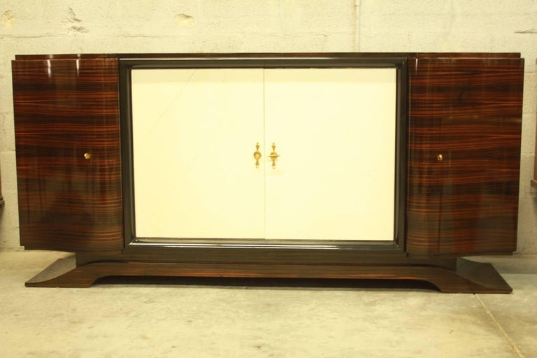 French Art Deco Macassar Sideboard or Bar with Parchment by Maurice Rinck In Excellent Condition For Sale In Hialeah, FL