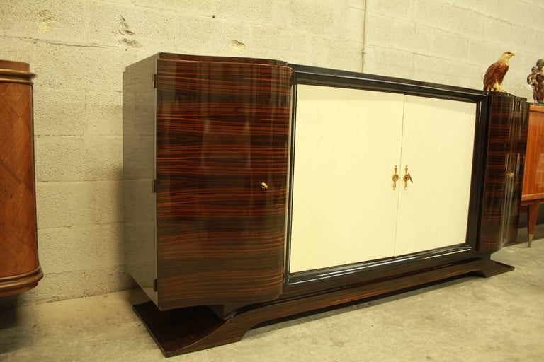 Mid-20th Century French Art Deco Macassar Sideboard or Bar with Parchment by Maurice Rinck For Sale
