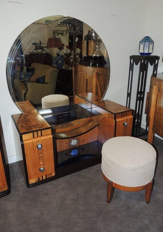 Art Deco Bedroom Suite Leo Jiranek Streamline Design Fit For A Queen At 1stdibs