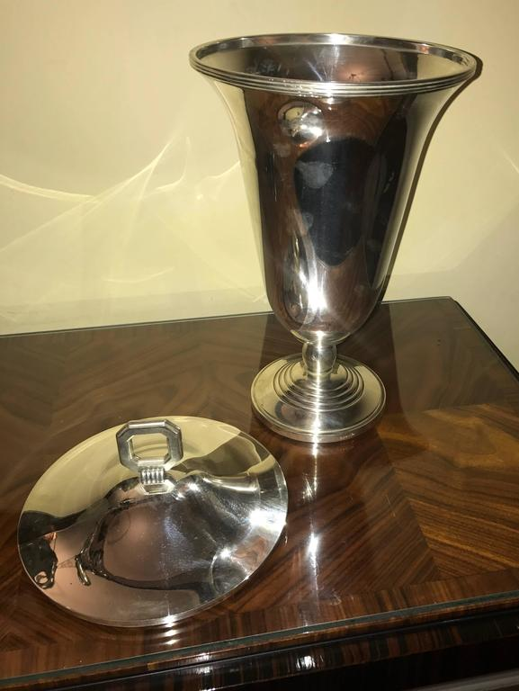 Christofle Luc Lanel Normandie Art Deco Vase. This is an extremely rare silver plate urn designed for the first class quarters/cabins of the French transatlantic ocean liner Normandie. A very unusual item, completely restored and in perfect