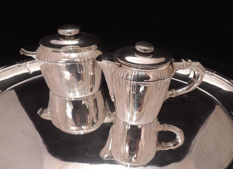 French Art Deco Silver Tea and Coffee Set In Excellent Condition For Sale In Oakland, CA