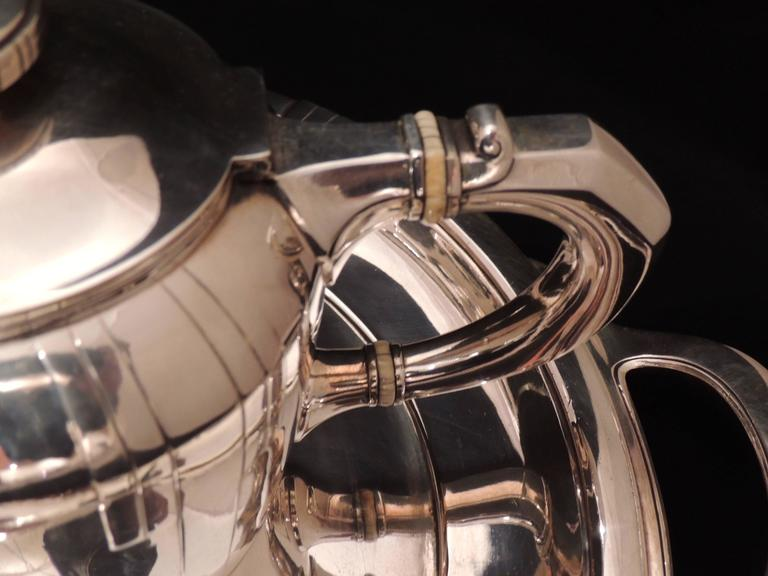 French Art Deco Silver Tea and Coffee Set For Sale 1
