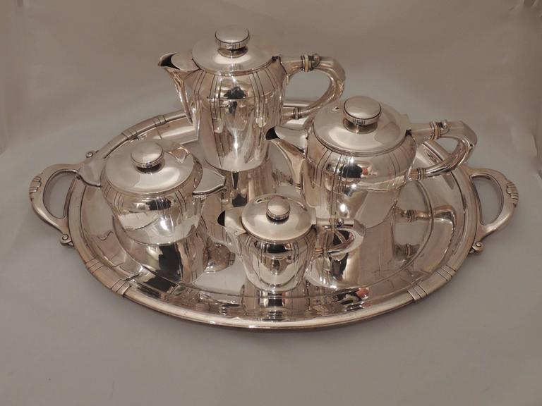 French Art Deco Silver Tea and Coffee Set For Sale 3