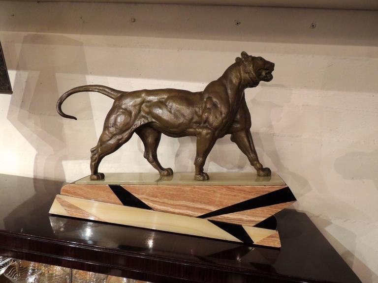 Bronze Art Deco Lion Sculpture In Excellent Condition For Sale In Oakland, CA