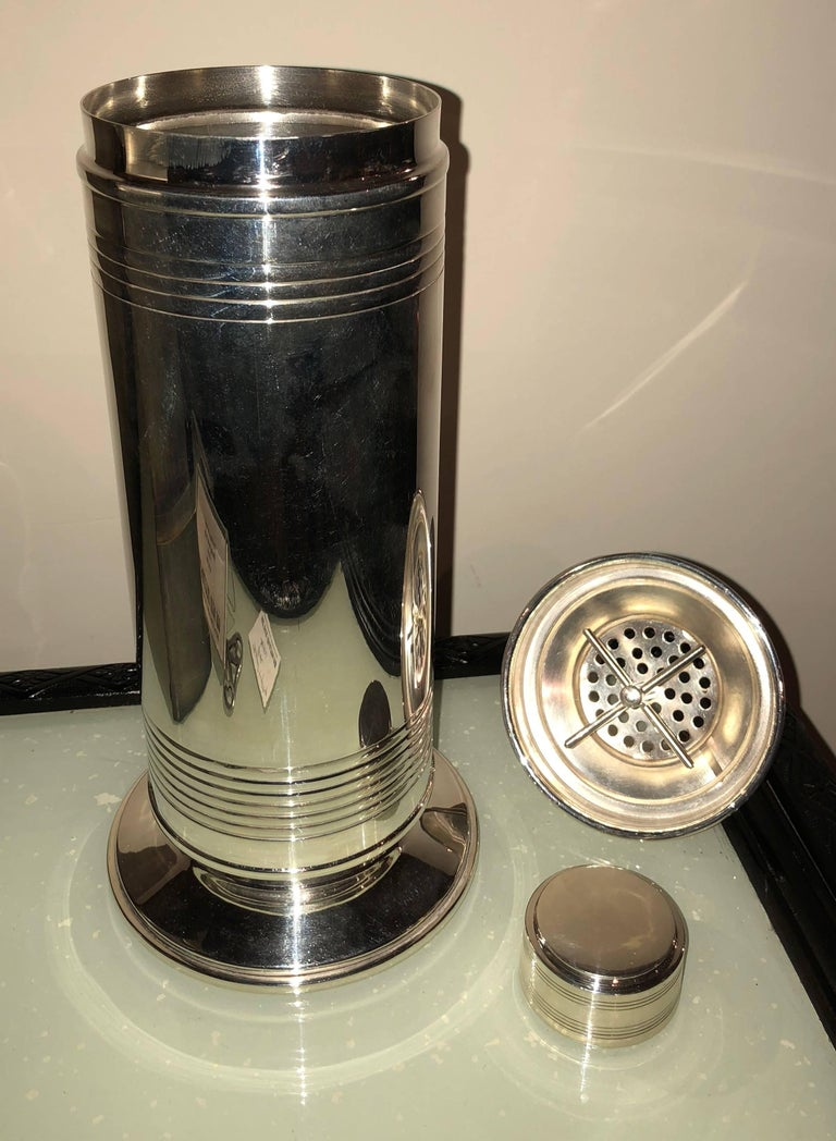 British English Art Deco Cocktail Shaker, 1930s For Sale