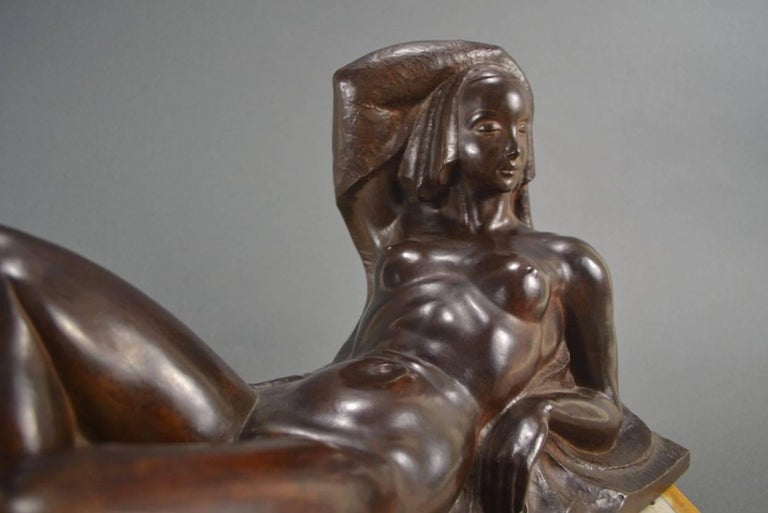A rare Art Deco Bronze. Incredible quality from an important Belgian artist named Jan Anteunis, (1896-1973). It is not often that we are able to find a piece with all of these qualities: beautiful period style, excellent proportions, amazing bronze